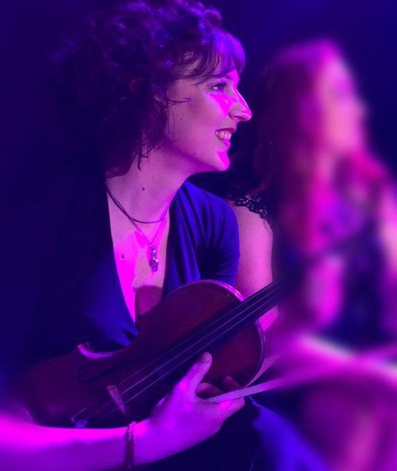 TV uitzending 'Het grote Songfestivalfeest' Maria speelt samen met Eimear Quinn!